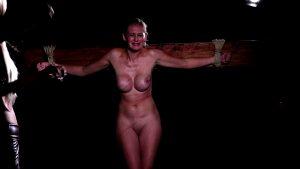 mistress-spank-her-naked-slave-woman