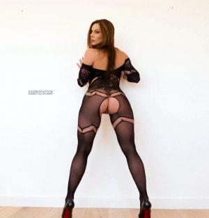 submissive milf kendra lust